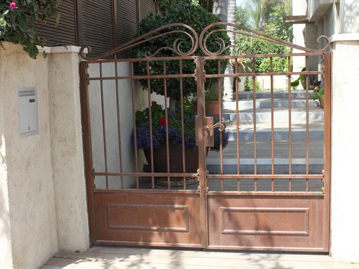 שערים איכותיים לבית